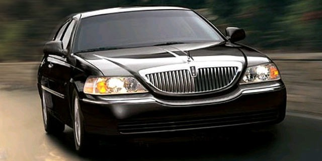 "Lincoln Town Car (Luxury Executive ""L"" Sedans)"